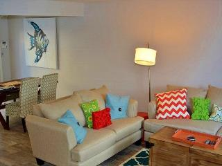 Solana Beach Condominium - Charming Unit West of Interstate 5 - Solana Beach vacation rentals