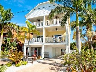 A beautiful, newly completed duplex - Unit B - Bradenton Beach vacation rentals