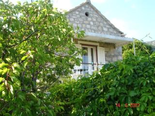 Old Dalmatian style house A5 - Bol vacation rentals