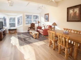 West Willow 5 - 2 Bd + Loft / 2 Ba Condo - Sleeps 6 - Remodeled and Located Near the Base of Lift 7 - Great Summer or Winter Loc - Telluride vacation rentals