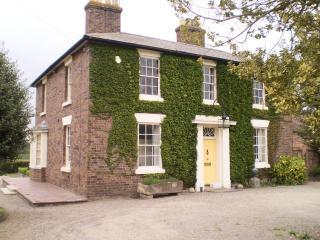 Duken Courtyard Cottage - Chelmarsh vacation rentals