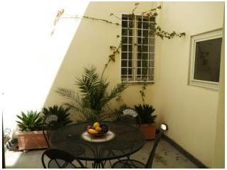 Spanish Steps Terrace Apartment Apartment in Rome to rent, flat in Rome with terrace to let, holiday apartment rental Rome - Image 1 - Rome - rentals