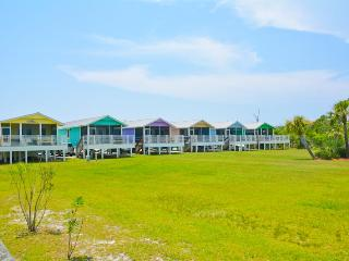 SCVilla #2. Bay front, Pet Friendly, Fishing pier! - Cape San Blas vacation rentals