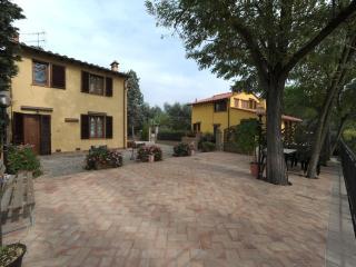 Gli Oleandri - Casa Vacanze - Castelfiorentino vacation rentals