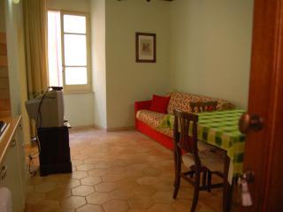 Bosa centro storico / bilocale ristrutturato - Oristano vacation rentals