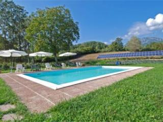 Peaceful Tuscan holiday farmhouse with horses and swimming pool - Castiglione Di Garfagnana vacation rentals
