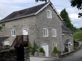 Segrwyd Mill Holiday Home 4* - Denbigh vacation rentals