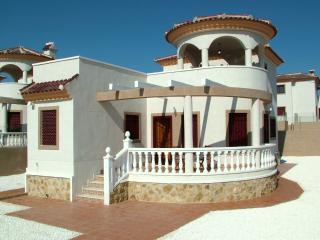 3 Bed 2 Bath Det Villa A/C-TV, WiFi, Free Phone - La Marina vacation rentals