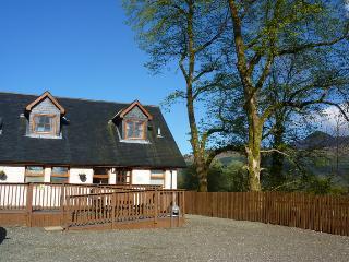 Ben Lomond Cottage - Tarbet vacation rentals