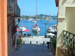 Lovely Villefranche Old Town holiday apartment with private balcony - Villefranche-sur-Mer vacation rentals