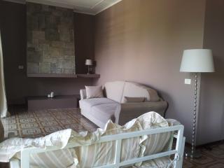 Il Cedro - Casa Olivi - Desenzano Del Garda vacation rentals