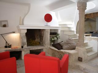Villa Daesch - La Maison - Gordes vacation rentals