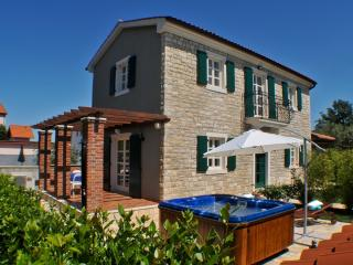 Villa Nika  with big Hot tube - Porec vacation rentals