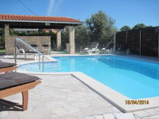 Holiday house with pool - Liznjan vacation rentals