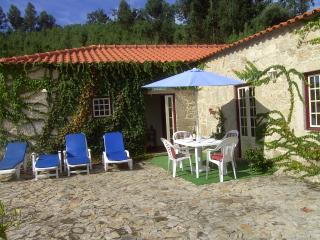 Lily Cottage - Ponte do Lima vacation rentals