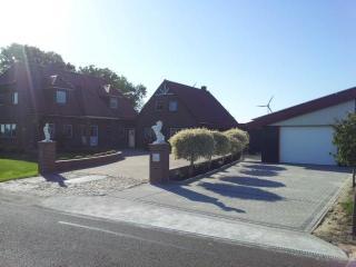 Landhaus Deichblick FeWo Ebbe - Friedrichskoog vacation rentals