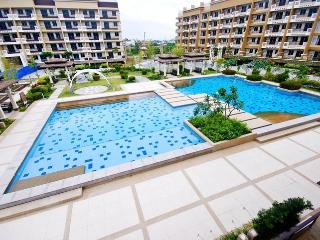 3 Bedroom Unit - Best Deal in Manila!!! - Taguig City vacation rentals