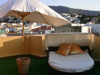 Atico-loft - Llanca vacation rentals