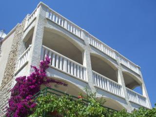 Villa Sany -Blue - Bol vacation rentals