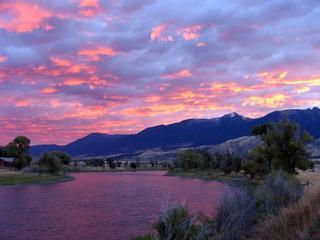 Riverhouse on the Yellowstone in Paradise Valley - Pray vacation rentals