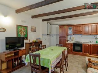 Poggetto - Appartamento 1 - Lucignano vacation rentals
