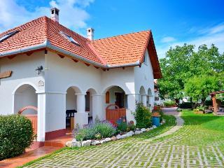 holiday house Lawender - Balatonalmadi vacation rentals