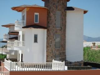 Castleview view  Villa to rent Alanya with pool - Mahmutlar vacation rentals