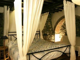 Molino Le Gualchiere - Apt.Le Stalle 2 camere - Loro Ciuffenna vacation rentals