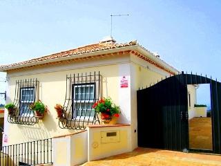 Villa with superb views,Sintra - Colares vacation rentals