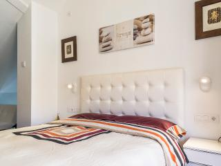 Romantic Duplex penthouse+WIFI - Valencia vacation rentals