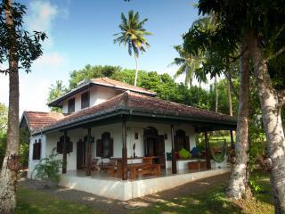 Ambakanda Villa - Unawatuna vacation rentals