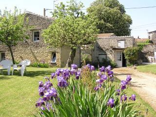 Sunflower Lodge - Aulnay vacation rentals