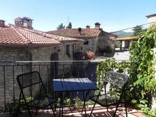 Casa vacanze Il Cuniglio - Talla vacation rentals