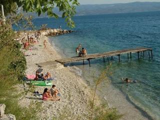 Apaprtments 40m to the beach - Dugi Rat vacation rentals