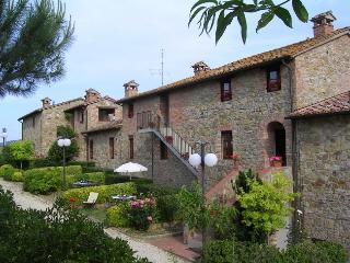 Appartamento il Ginepro - Castiglione Del Lago vacation rentals