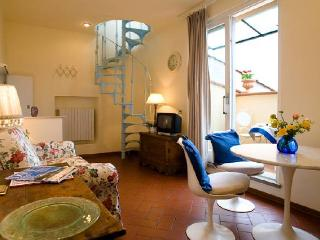 1 bedroom apartment with roof terrace in Florence - Maccagno vacation rentals