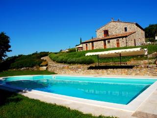 Podere Pietreta -Quercia House - Radicofani vacation rentals