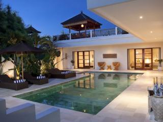 PURI TEMPLE 3 BEDRM ECHO BEACH CANGGU CHEF,BUTLER - Canggu vacation rentals