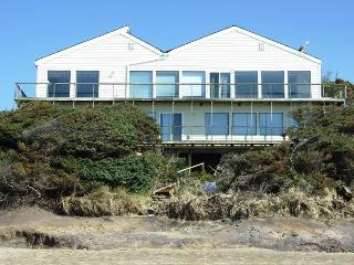 PACIFIC VILLA - Lincoln Beach, Depoe Bay - Depoe Bay vacation rentals