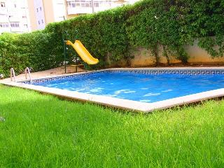 Lovely 1 bedroom apart.w pool - Portimão vacation rentals