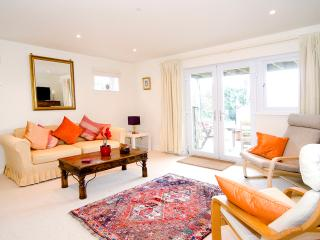 The Apartment, Dullatur - Kilsyth vacation rentals