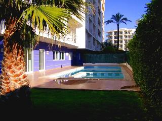 1 bedroom apartment w/ pool - Portimão vacation rentals