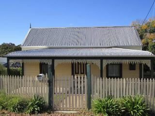 Goldfields Cottage - Beechworth vacation rentals