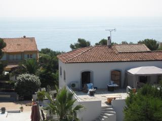 2 pièces vue mer COTE D'AZUR - Les Issambres vacation rentals