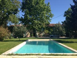 Mas provençal de caractère - Saint-Remy-de-Provence vacation rentals