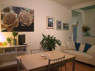 Padova Centre APARTMENT VERDE - Padua vacation rentals