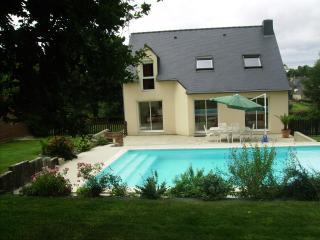 Maison du Menhir - Guenin vacation rentals