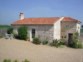 The Pigeonnier near La Rochelle, beaches 20 mins. - La Rochelle vacation rentals
