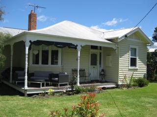 Piet's Cottage - Cowes vacation rentals