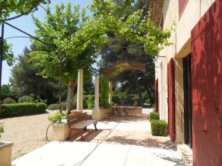 Campagne aixoise belle maison traditionnelle 180m² - Eguilles vacation rentals